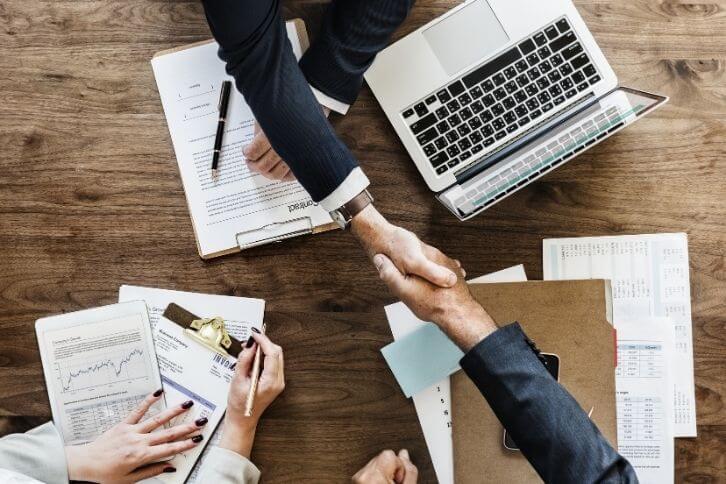 üzleti partnerek átvilágítása